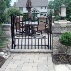wrought iron gate image for when seeking the best iron fence installation business in Tinley Park