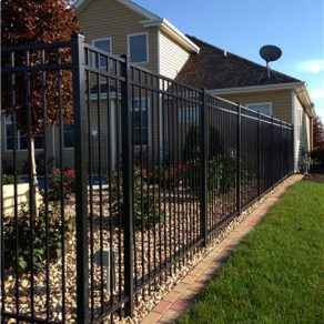 iron fencing image for when looking for fence contractors in Frankfort