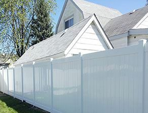 white vinyl privacy fence for home in Cedar Lake that used good fence company